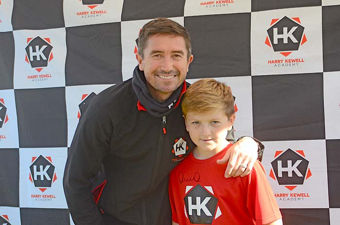 caption Jayden Prior meets his idol Harry Kewell.