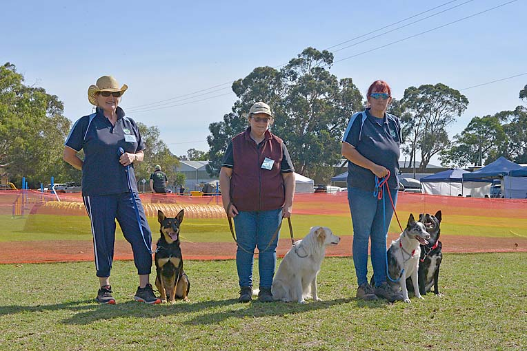 Barb Lightburn, Darcy, Bec Jones, Malika, Helen Cottier, Doug, Ace  TBW Newsgroup