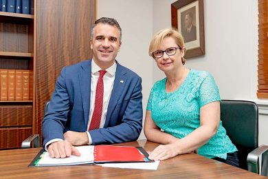 Peter Malinauskas Clare Scriven 1  TBW Newsgroup