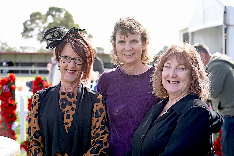 Penola Cup Pam Doody Anita Penna And Marlene Doody  TBW Newsgroup