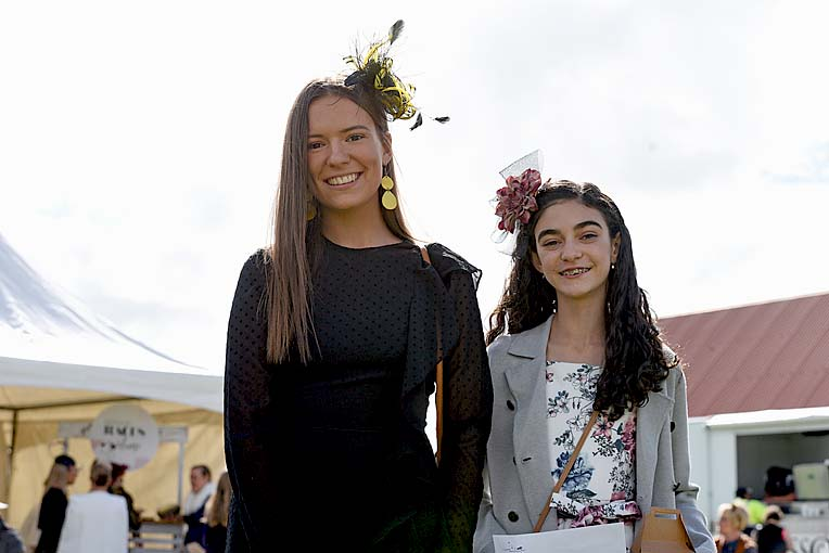 Penola Cup Teen Fashion On The Field Winners Rachel Murphy And Bree Robinson  TBW Newsgroup