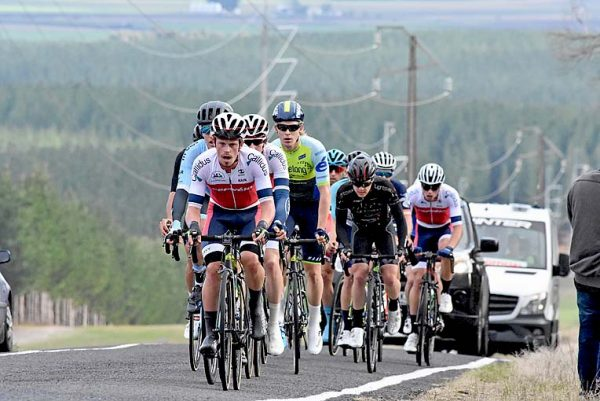 Former Junior World Teams Pursuit Champion Josh Harrison Leads The Scratch Bunch Over The Range Hill TBW Newsgroup