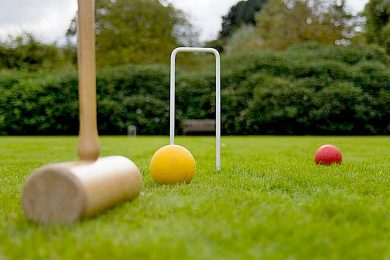 Playing Croquet On An English Lawn TBW Newsgroup