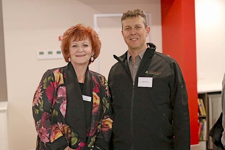 Jannie Milsop And Willie Van Niekierk  TBW Newsgroup
