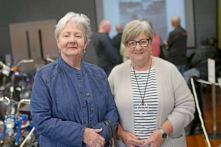 4 Fran Hirth And Pam Knightly  TBW Newsgroup