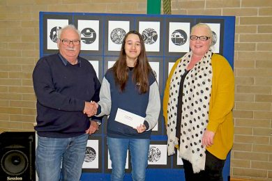 Allendale East Area School Student Caitlyn Millard, Mayor Sage And Principal Kyle Smith (1)  TBW Newsgroup