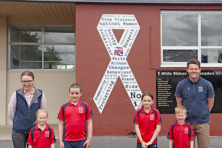 Newbery Park White Ribbon (3)  TBW Newsgroup