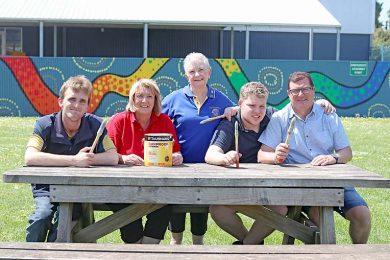 Group Pic Gordon Education  TBW Newsgroup
