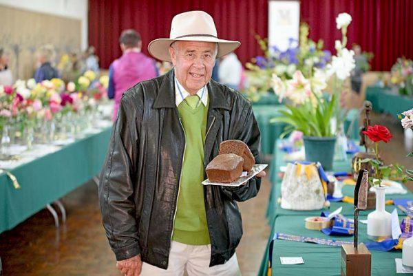 Murray Williams Mens Choc Cake TBW Newsgroup