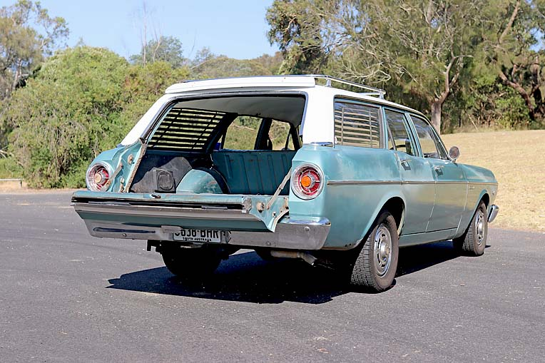 Maddy Potter 1966 Xr Ford (19)  TBW Newsgroup