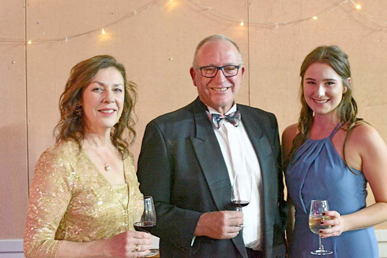 Felicity And Phil Hoff And Paris Hudson  TBW Newsgroup