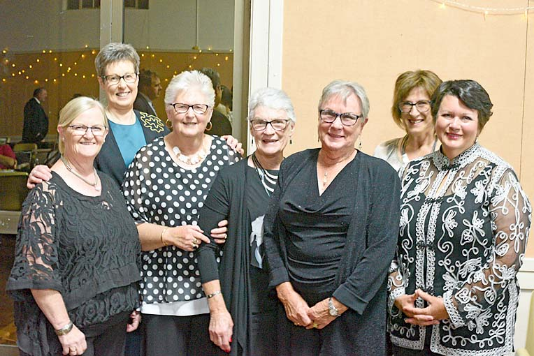 Annie Clifford, Diane Williams, Lorraine Rayson, Raelene Sharam, Gail Hetherington, Helen Zadow And Anne Johnson  TBW Newsgroup