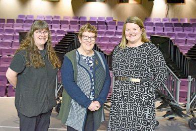 Julie Cakebread, Jennie And Anne Kerr  TBW Newsgroup