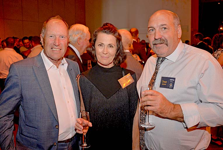 Peter And Vicki Scullion With Dean Siegert  TBW Newsgroup