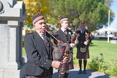 Doug Balnaves And Pipers  TBW Newsgroup