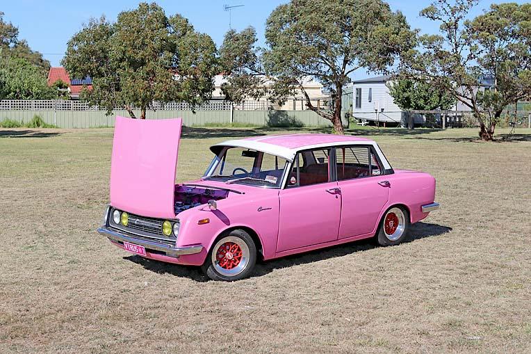 Pink Toyota Corona Dave Rawnsley (15)  TBW Newsgroup