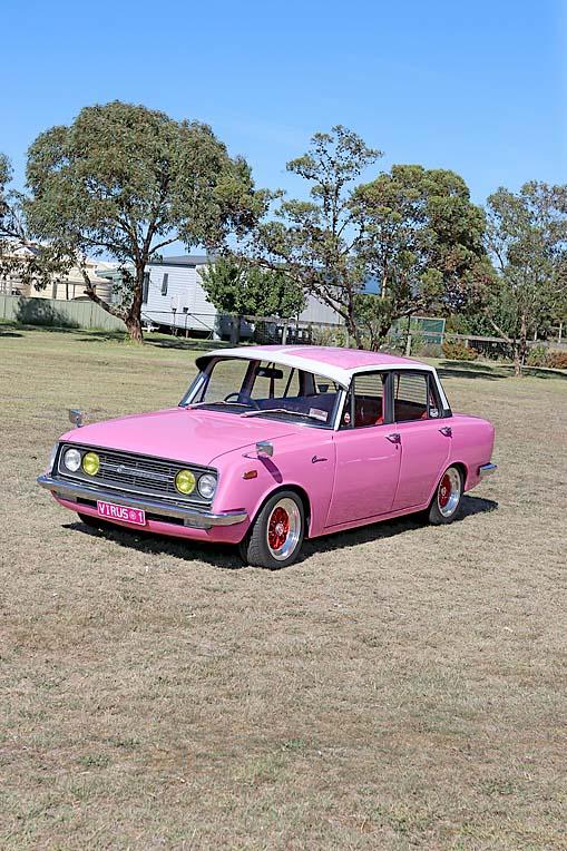 Pink Toyota Corona Dave Rawnsley (2)  TBW Newsgroup