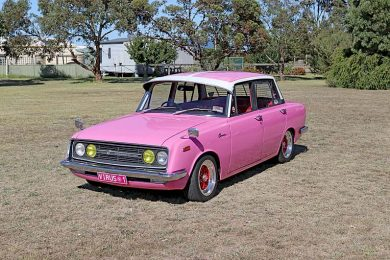 Pink Toyota Corona Dave Rawnsley (3)  TBW Newsgroup