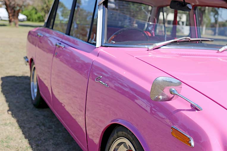 Pink Toyota Corona Dave Rawnsley (7)  TBW Newsgroup