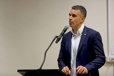 Peter Malinauskas  TBW Newsgroup